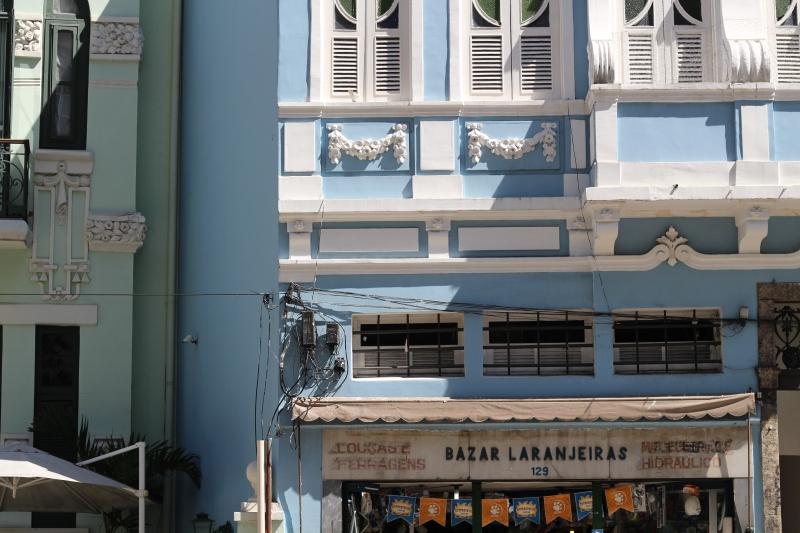 Bazaar Laranjeiras on Rua de Laranjeiras!
